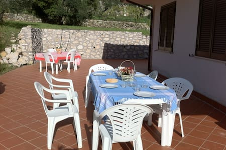Cottage near Formia between Rom&Nap - Villa