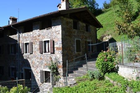 Tipica casa carnica - Paluzza