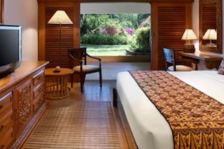 Room type: Private room Bed type: Real Bed Property type: Apartment Accommodates: 1 Bedrooms: 1