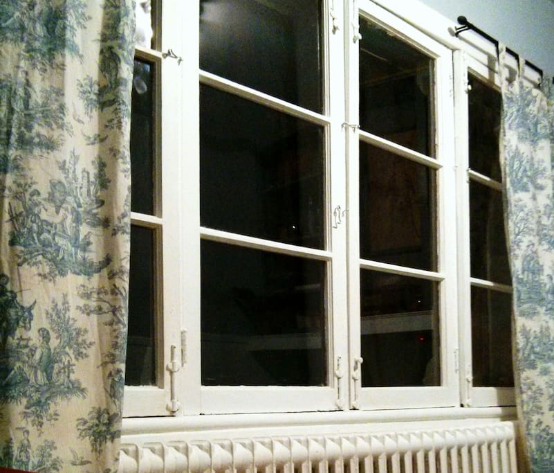 the sunroom: lots of west-facing windows!