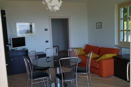 Villa sul Garda con parco e vista meravigliosa - Vila