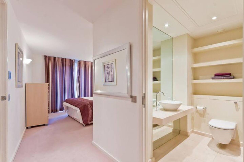 En-suit master bedroom