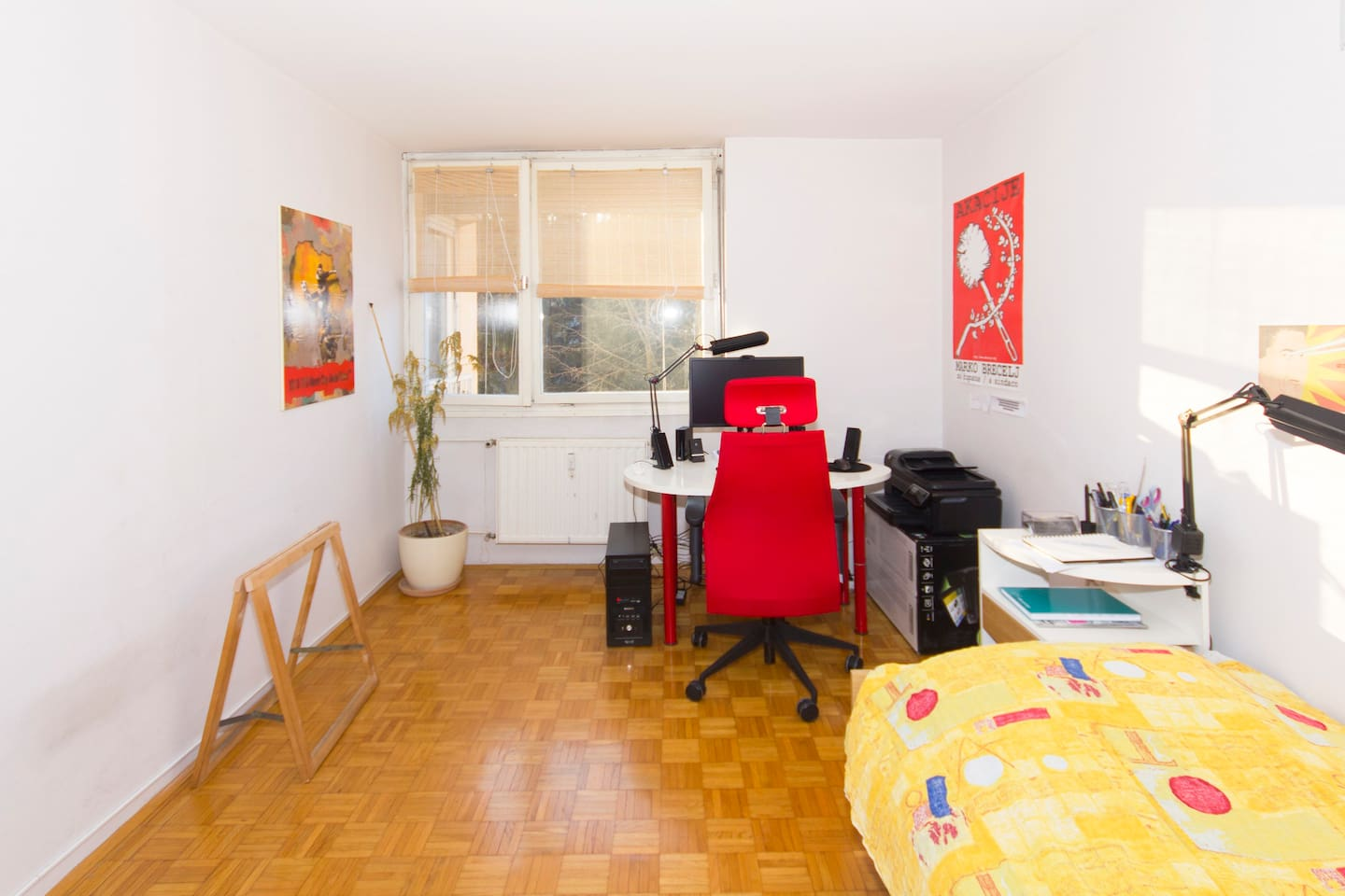 Everything you need for your stay in Ljubljana in a very bright room.