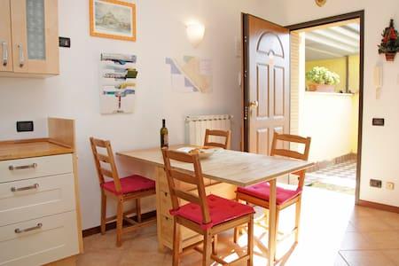 Romantic Cottage - ROMAN BEACH