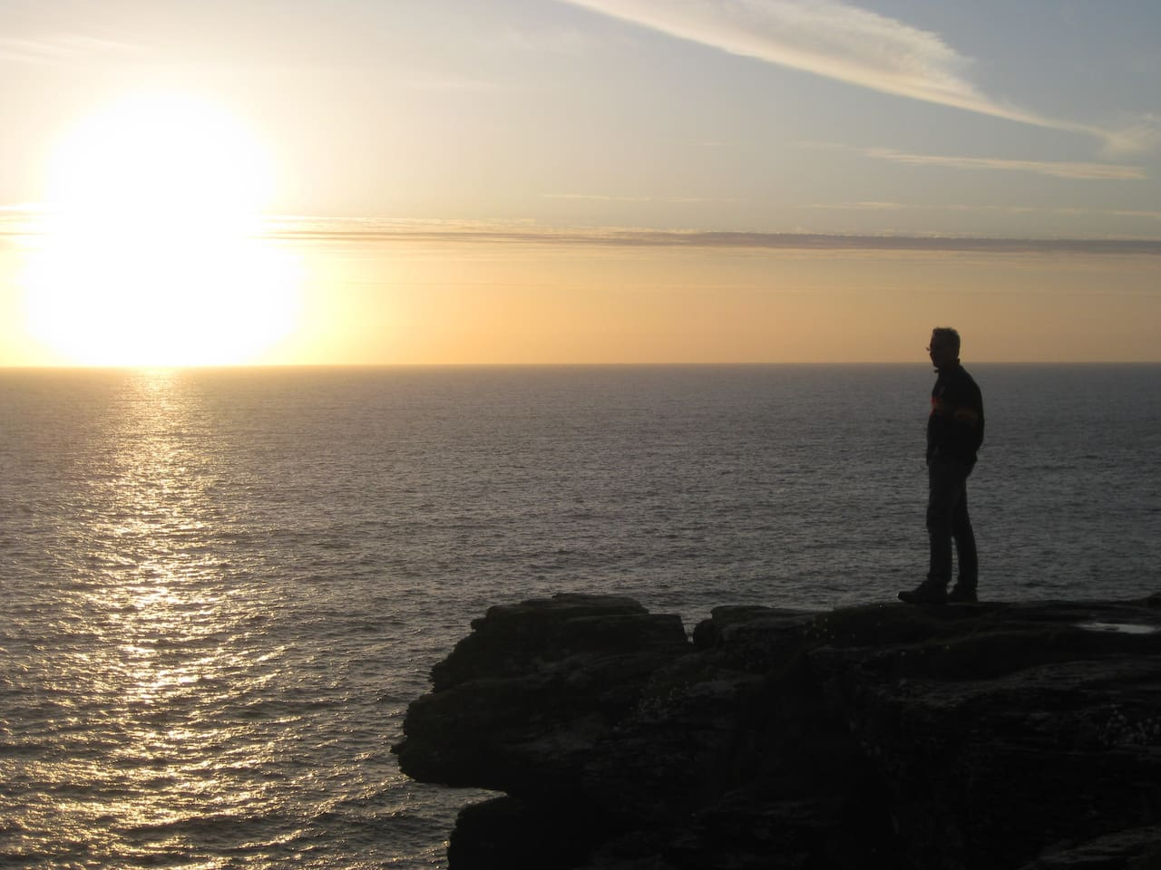 Clifftop spot, a five minute walk - ideal for watching the sun set, while sipping your champagne..!