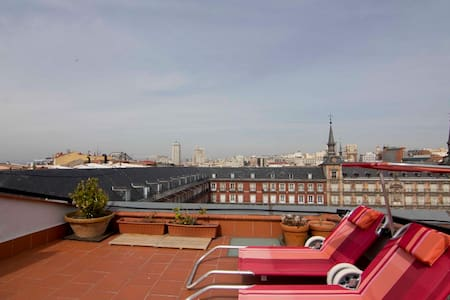 Penthouse  with views Plaza Mayor - Madrid - Apartment