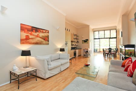 Inner City Guest Room w/Pool+Gym - Redfern - Apartment