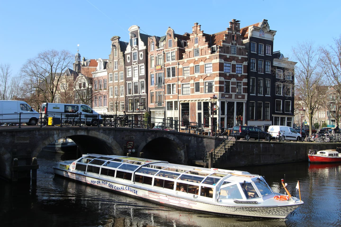 Where you will be staying, lovely apartments and view over the canals!