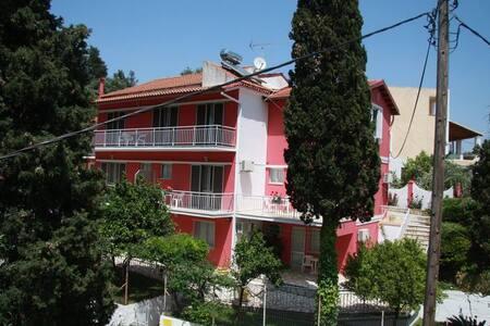 Skevoulis top floor No1 Benitses