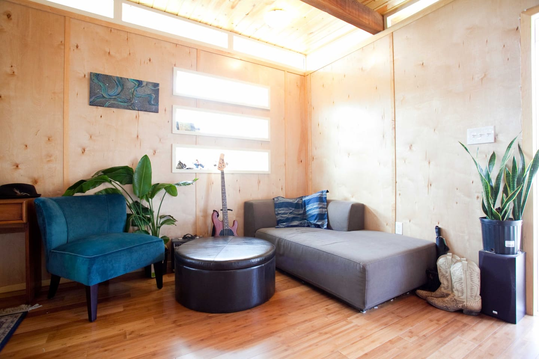 Modern Studio Cottage