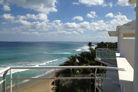 2 story Penthouse on Sandy beach! - Apartment