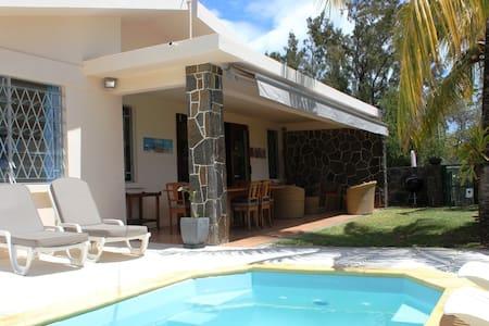 Villa Serin du Cap: sun, sea, pool! - Vila