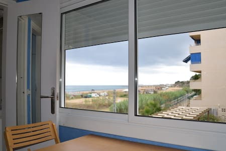 Apartment on the sea in Canet Mar - Appartement