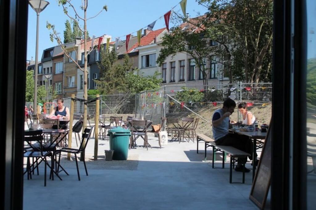 cosy studio with city garden