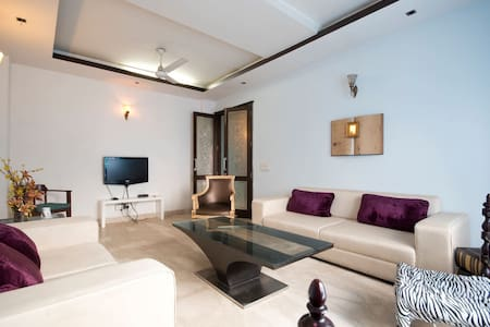Furnished Boutique : 3BD+DD - Újdelhi - Lakás