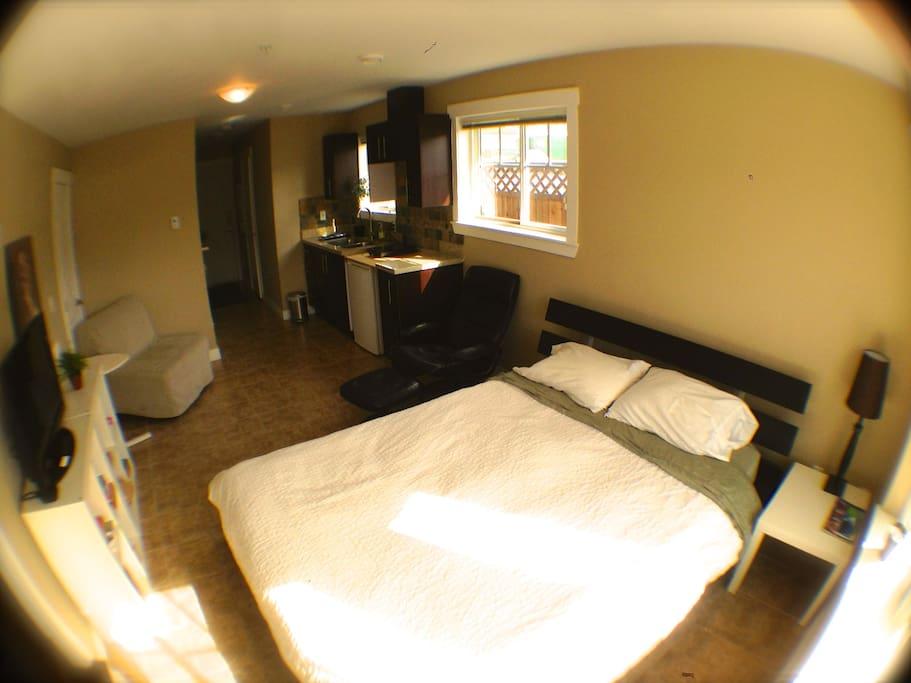 NEW Suite/TV,Kitchen,Bath,City Wifi