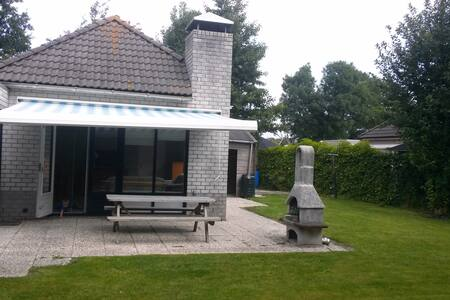 Bungalow near forest and beach with large garden - Dirkshorn - Bungalow