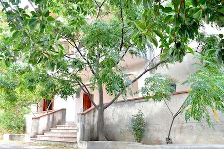 Bilocale in villa - Reggio de Calabre - Villa
