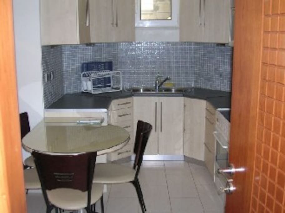 Fully equipped 80sm flat in Glyfada