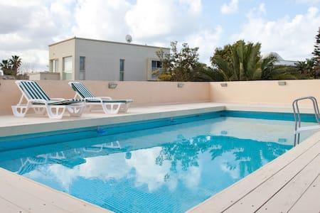 luxury villa in Caesarea - Villa