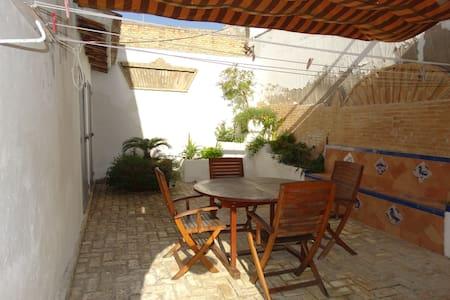 maison avec patios centre ville. - Lebrija - Talo