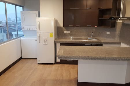 Fully furnished 2bed/2bath central cozy apartment - Lakás