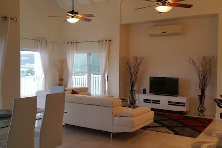 Stunning Views - Luxury 2Bd Condo - Basseterre - Apartament