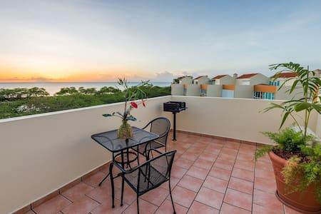 Amazing views from Vistamar 410 penthouse, WiFi - Boquerón