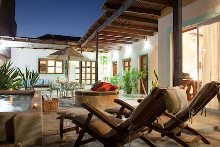 Casa Abuelita: Trendiest Area, Close to the Beach - La Paz - Huis