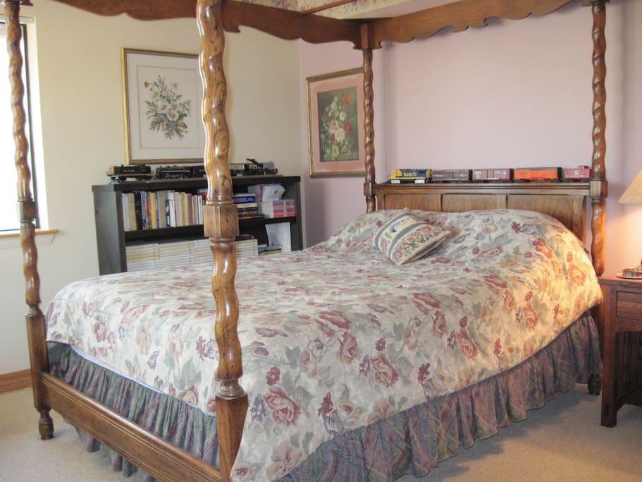 Cozy hideaway.....your bedroom