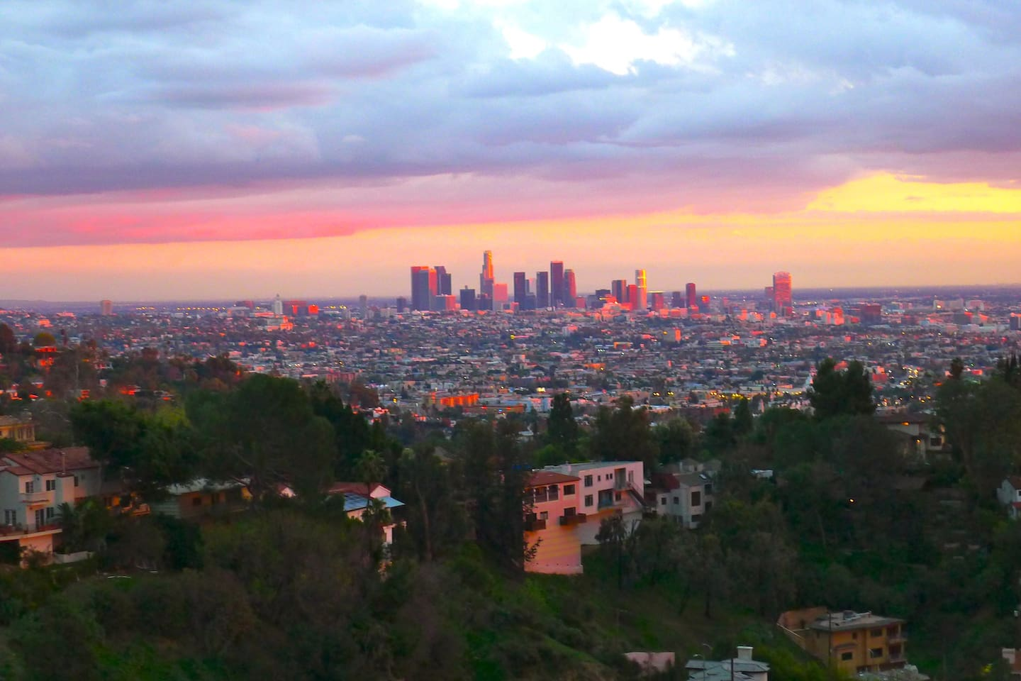CITY VIEW HOLLYWOOD HILLS STUDIO