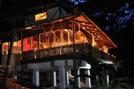 Designer junglehouses with jacuzzi! - Puerto Viejo - Casa