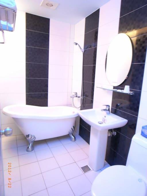 房間衛浴,歐式古典浴缸