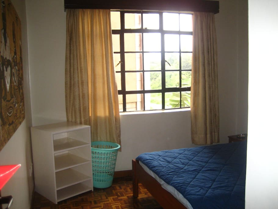 Cozy, warm room with a double bed and great river view, waiting for you!