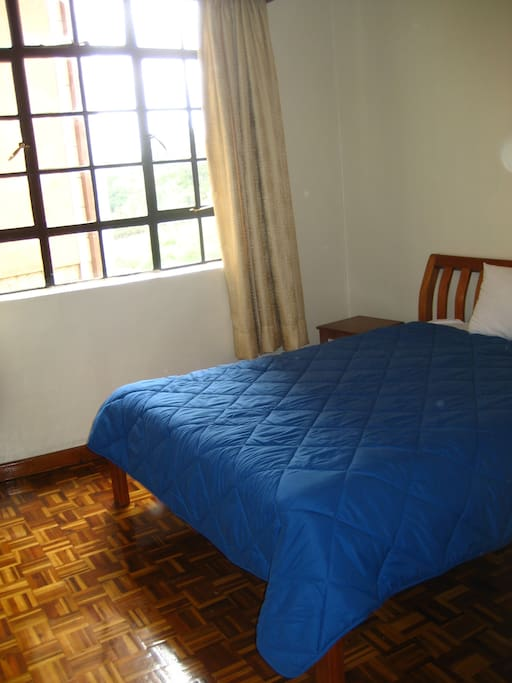Great balcony with views of Kirichwa River and Statehouse grounds!