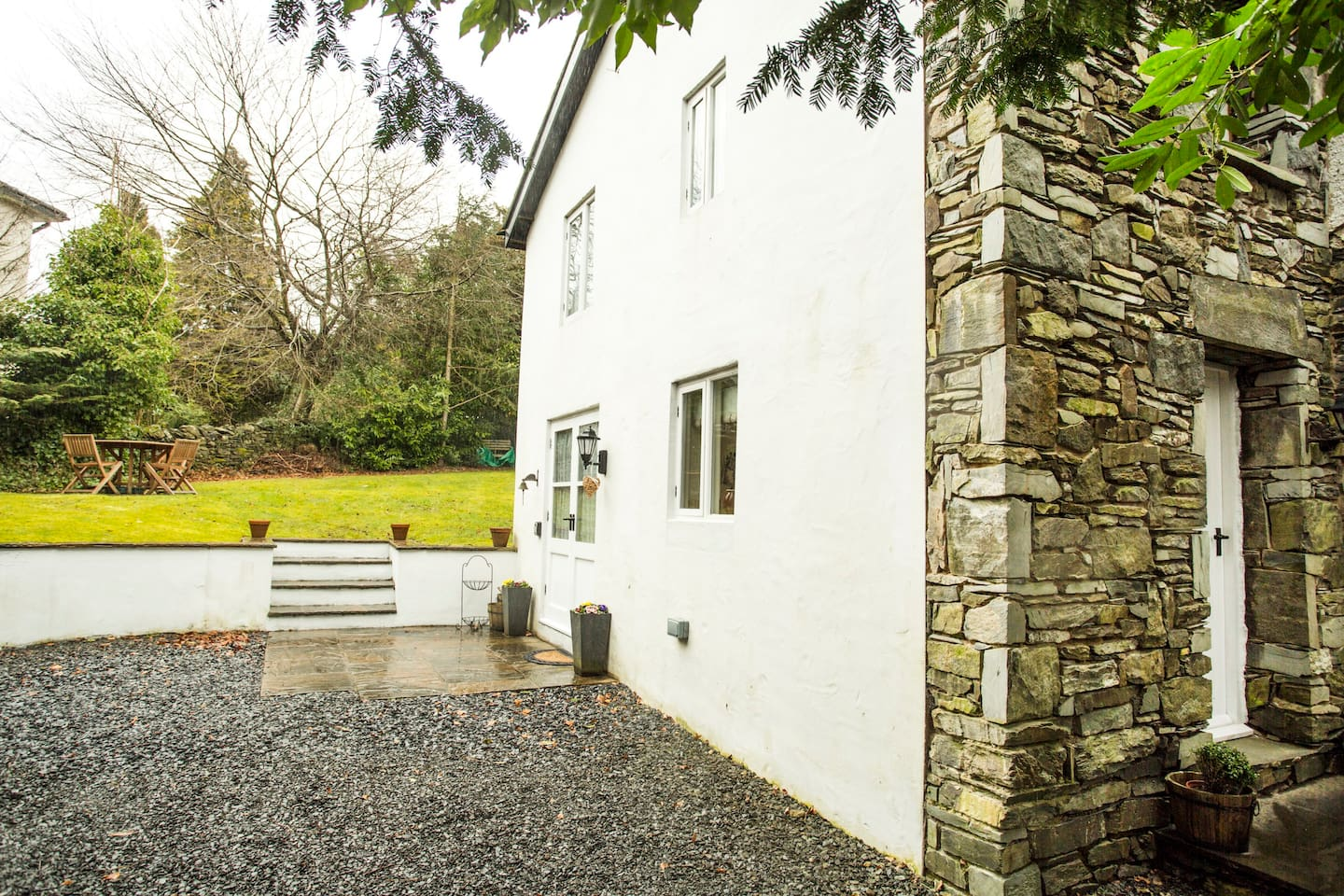 lovely cottage  bowness-windermere