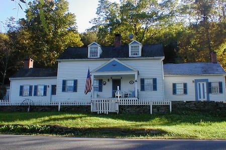 Historic Homestead @ Delaware River - Huis