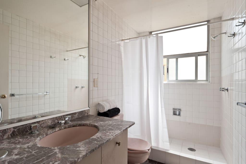 Big Double Bedroom in La Roma