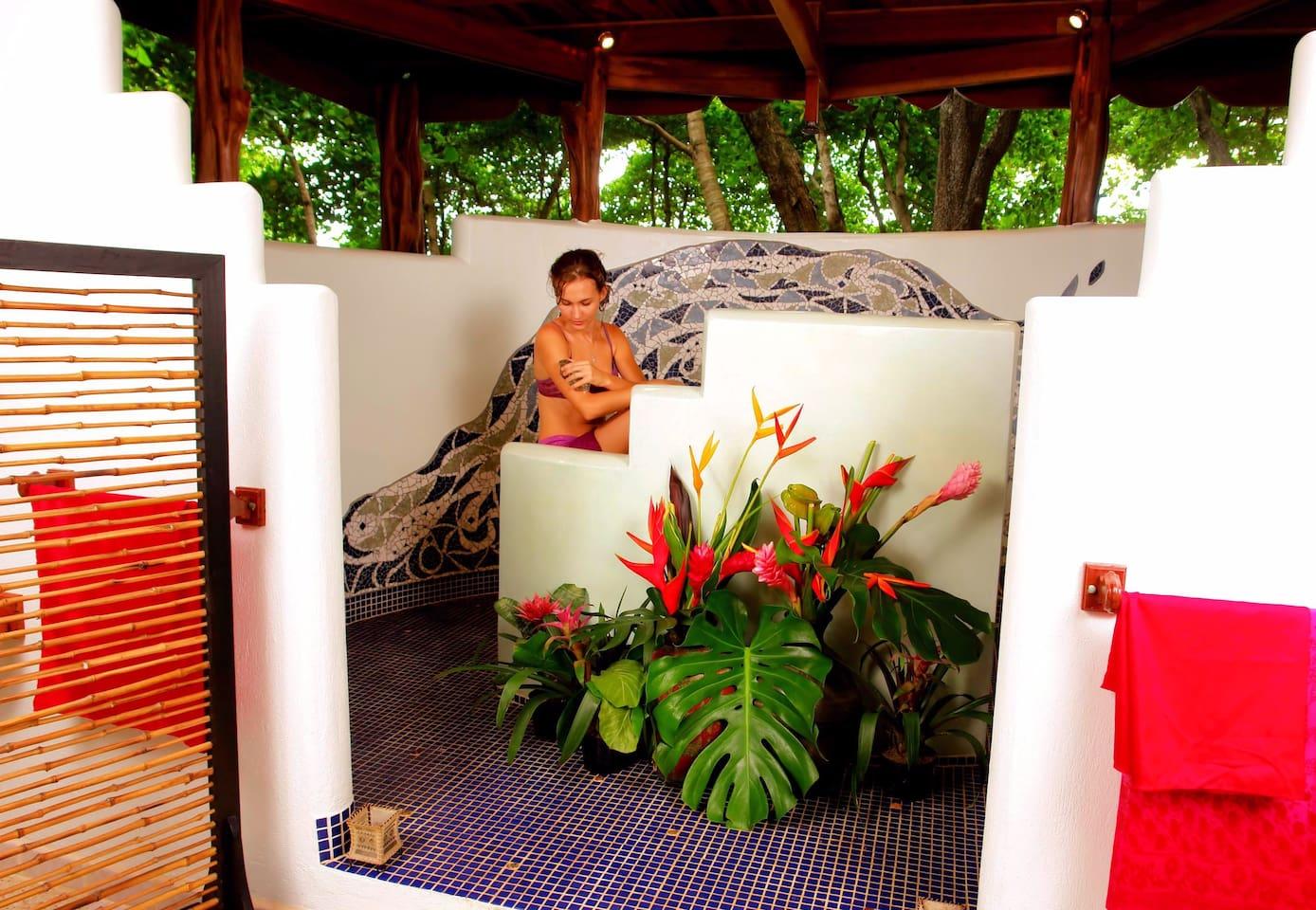Honeymoon Villa - Outdoor Shower