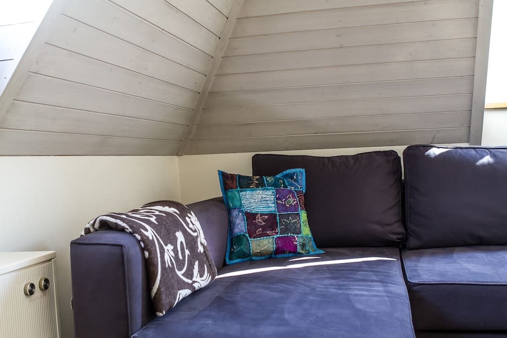 Charming roof-top room & breakfast
