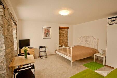 Holiday home Totićevi - apartments