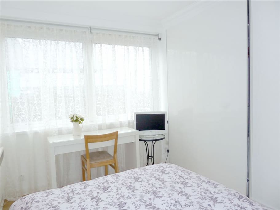 Bedroom: 2 large windows with black out blinds. Large double fitted wardrobe. TV