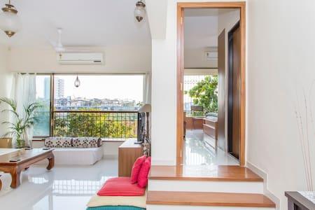 Spacious & Airy Room in 2 Bed Apt. - Andheri West Mumbai - Appartement