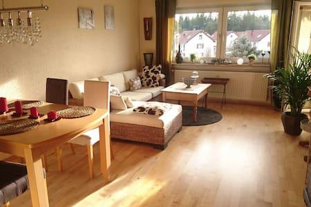 Schöne Ferienwohnung in Wolfratshausen - Wolfratshausen - Wohnung