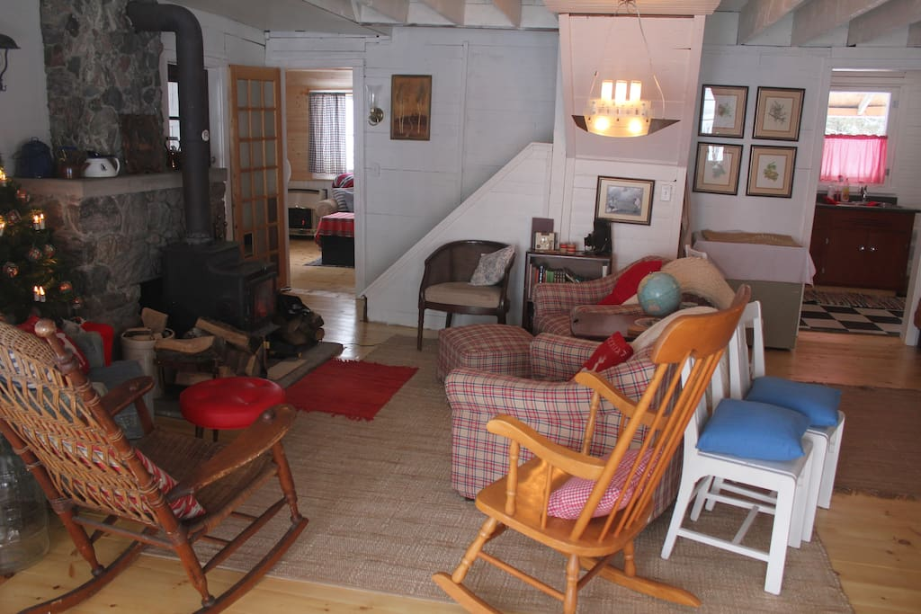 Balmy Breezes - Waterfront Cottage