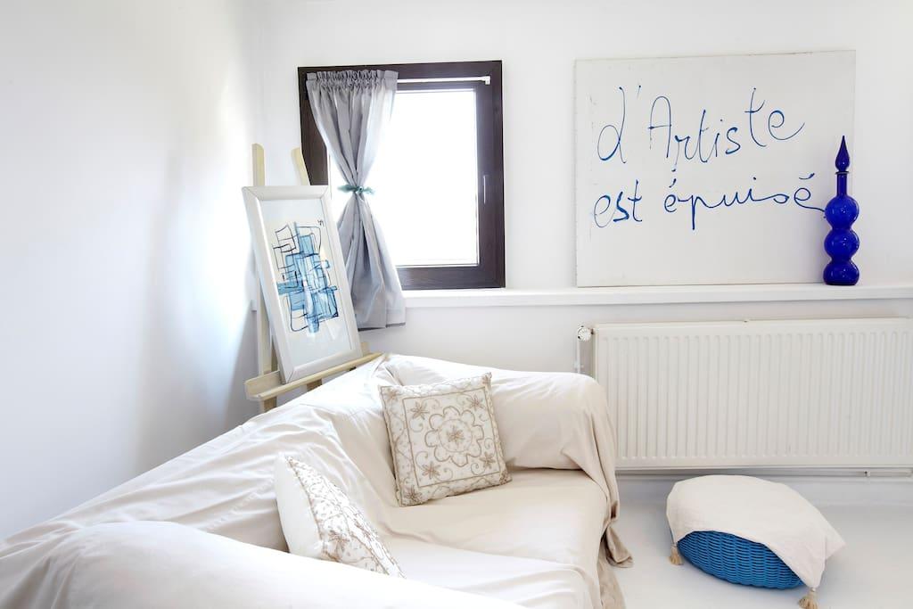 Chambre double tout confort draps, serviettes de bains fournis ....