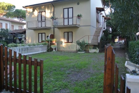 Tuscany coast, Apt with big garden - Apartment