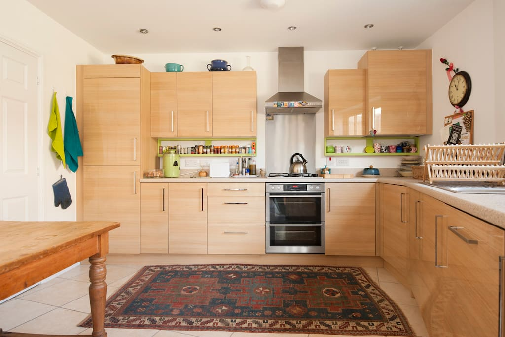 Brand new kitchen with washing machine, dish washer - you should find all you need.