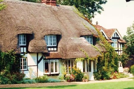 Thatched rural bed & breakfast - West Tytherley - Bed & Breakfast