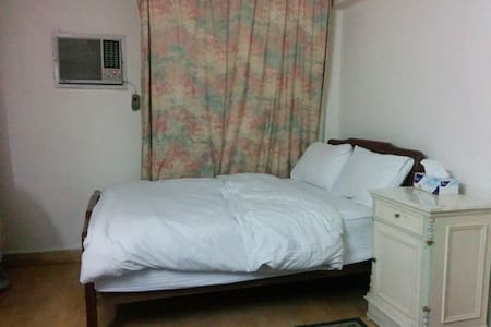 2 Bedroom Apt in upscale Zamalek - Lakás